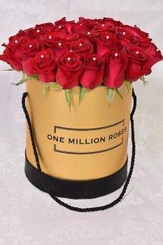 ורדים ב- flowers box מוזהב 450שח