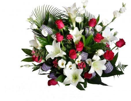 זר ורדים ושושן צחור 180 שח