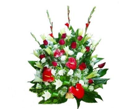 סידור ורדים ואנטוריום